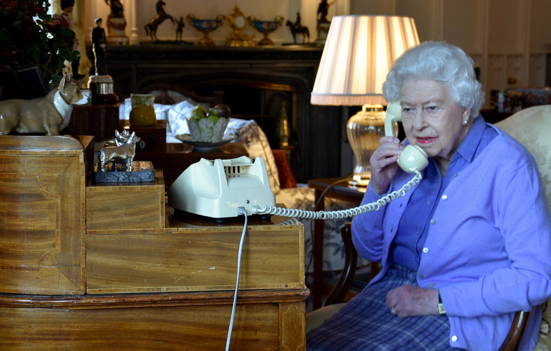 HM Queen Elizabeth homeworking